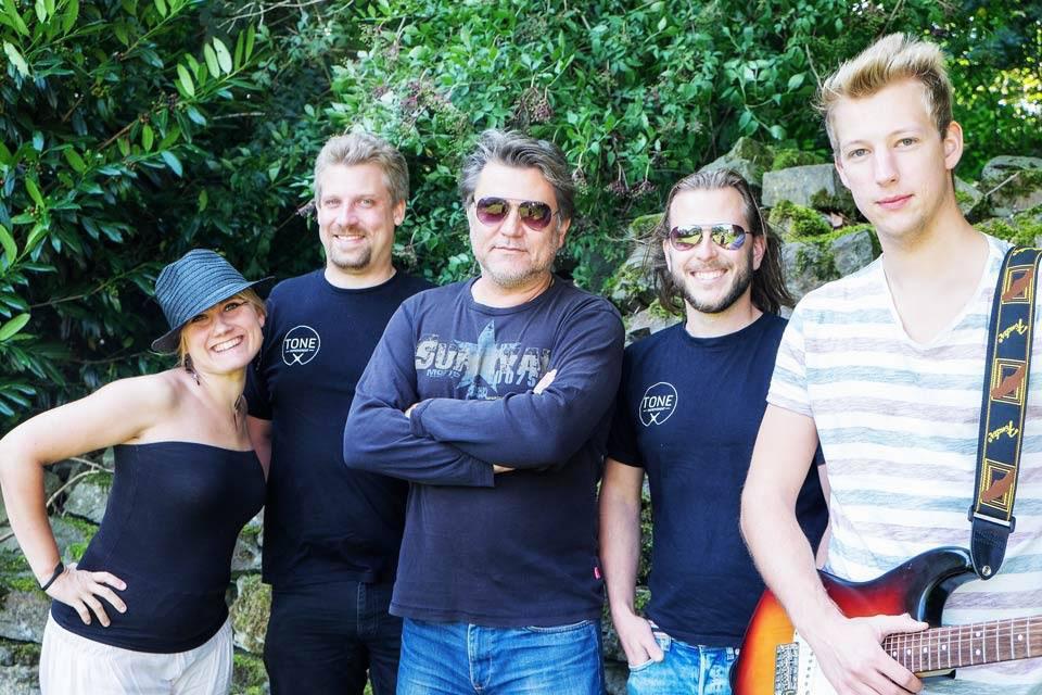 Martha Potempa, Gunnar Rauch, der Doc, Sebastian Hofmann, Kai Nelles   Foto: Mansi Manslayer